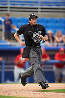 Umpire Mike Savakinas during the first game of a doubleheader between the Palm Beach Cardinals and Dunedin Blue Jays on July 31, 2015 at Florida Auto Exchange Stadium in Dunedin, Florida.  Dunedin defeated Palm Beach 7-0.  (Mike Janes/Four Seam Images)