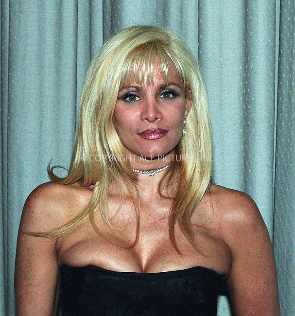 Victoria Gotti, who recently underwent open-heart surgery after failure of her pacemaker, attends the  Fragrance Foundation's Fifi Awards at Lincoln Center in New York. June 4, 2002.  REF: DZUS2099. Please byline: Anthony Moore/NY Photo Press.   ..*PAY-PER-USE*      ....NY Photo Press:  ..phone (646) 267-6913;   ..e-mail: info@nyphotopress.com