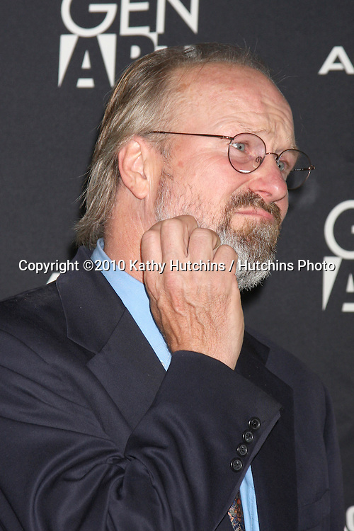 """William Hurt.arriving at """"The Yellow Handkerchief"""" LA Premiere.Pacific Design Center Silver Screen Theater.Los Angeles, CA.February 18, 2010.©2010 Kathy Hutchins / Hutchins Photo...."""