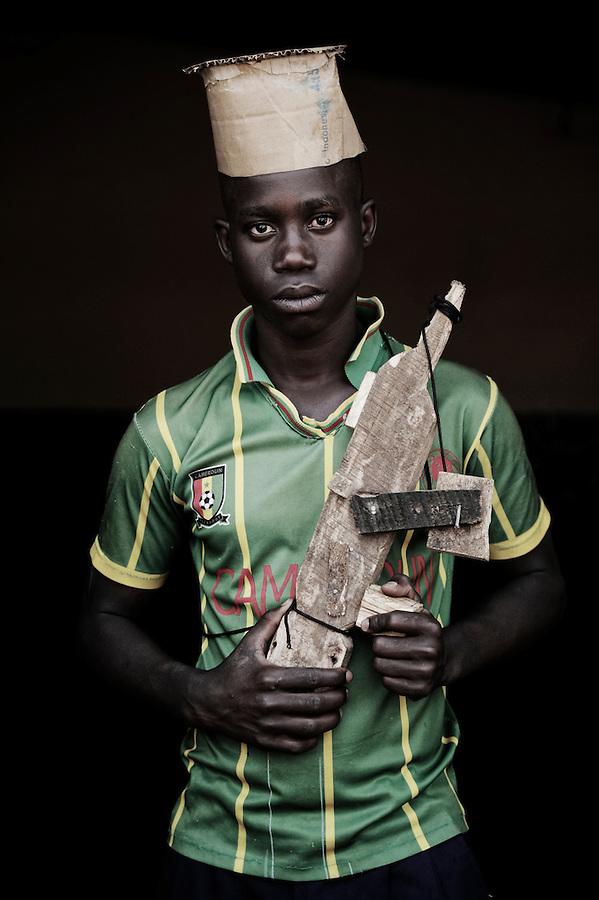 Ibrahim Mukamba. 16 ans. 8 mois passés dans les groupes armés. Bukavu, RDC, juillet 2013.