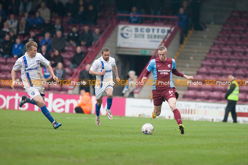 Kevin van Veen of Scunthorpe United<br />  - Scunthorpe United vs Gillingham - Sky Bet League One Football at Glanford Park, Scunthorpe, Lincolnshire - 25/04/15 - MANDATORY CREDIT: Mark Hodsman/TGSPHOTO - Self billing applies where appropriate - contact@tgsphoto.co.uk - NO UNPAID USE