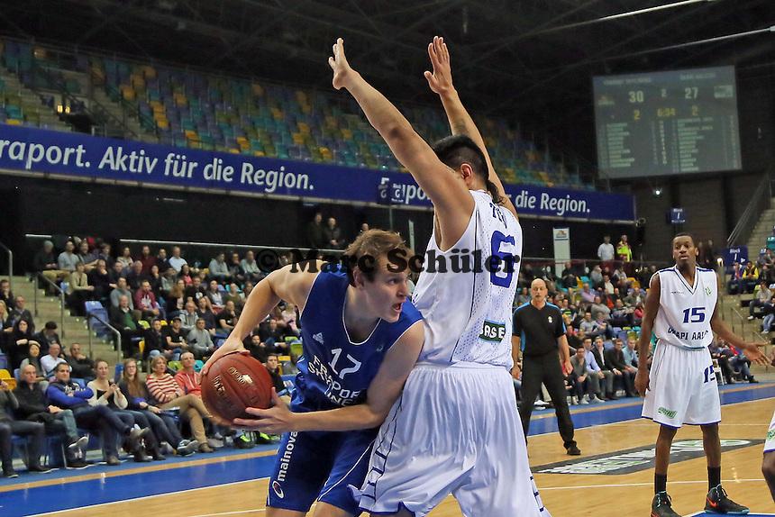 Johannes Richter (Skyliners) gegen Ioana Tofi (Aalstar)- Fraport Skyliners vs. Okapi Aalstar, Fraport Arena Frankfurt