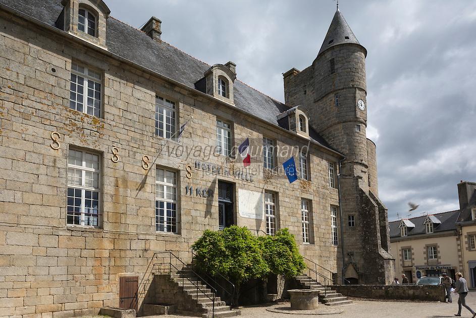 France, Bretagne, (29), Finistère, Pays Bigouden, Pont-l'Abbé:   Le château servant aussi d'hôtel de ville   // France, Brittany, Finistere, Bigouden, Pont l'Abbé: