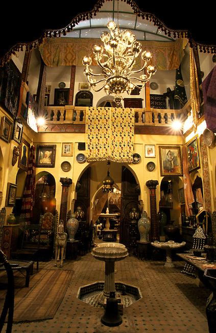 Marrakech, Bab Doukkala, boutique 'Khalid Art Gallery' *** Marrakech, Bab Doukkala, 'Khalid Art Gallery' shop.