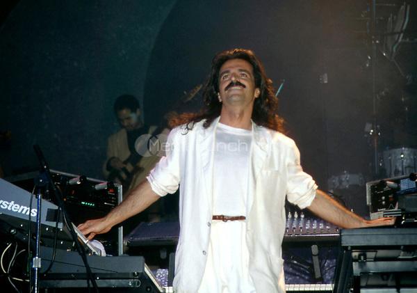 Yanni <br /> 1991.<br /> &copy; Scott Weiner /MediaPunch.