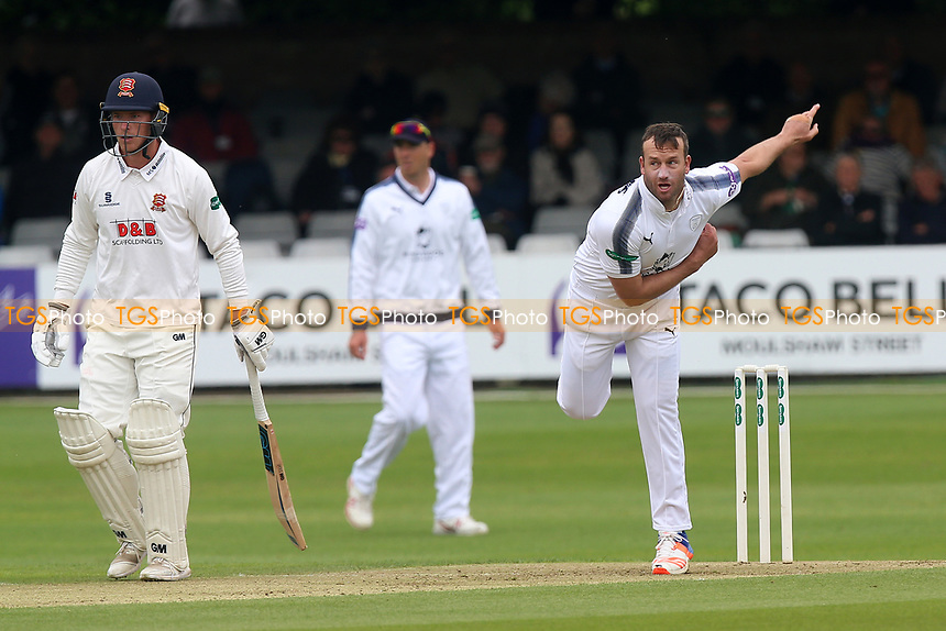 Sean Ervine in bowling action for Hampshire during Essex CCC vs Hampshire CCC, Specsavers County Championship Division 1 Cricket at The Cloudfm County Ground on 19th May 2017