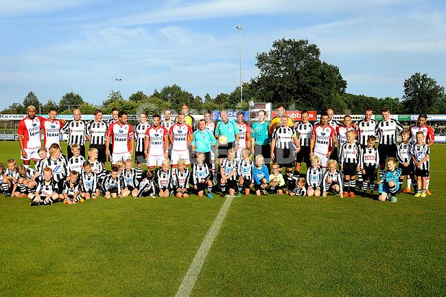 SCHOONEBEEK - Voetbal, SVV 04 - FC Emmen, voorbereiding seizoen 2018-2019, 06-07-2018,   de beide teams  poseren voor de wedstrijd