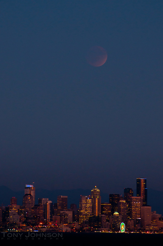 Eclipsed Moonrise over Seattle