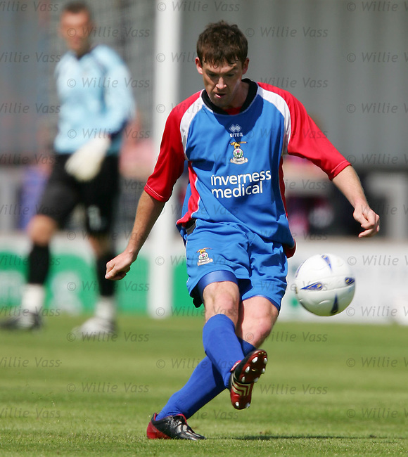 Stuart McCaffrey., Inverness Caley Thistle.stock season 2004-2005.pic willie vass