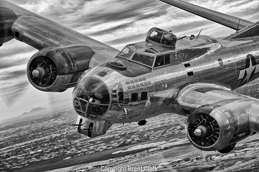 Boeing B-17 Bomber Sentimental Journey