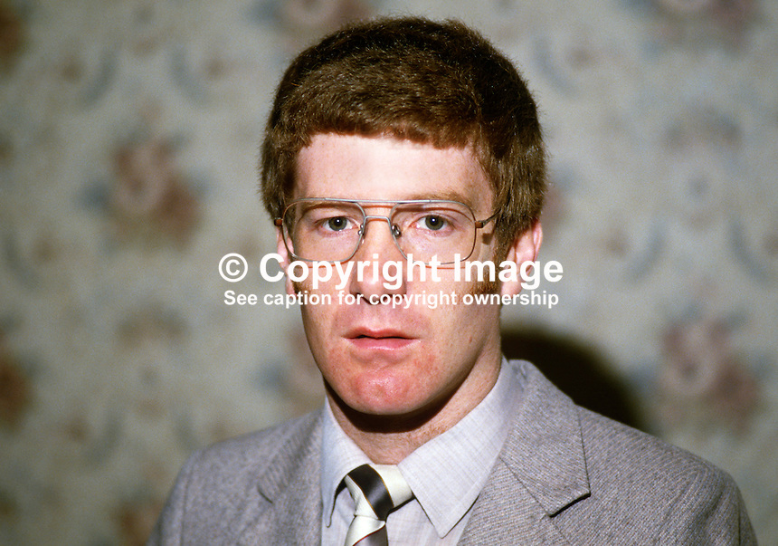 Gregory Campbell, assemblyman, Londonderry, DUP, Democratic Unionist Party, 19840060GC..Copyright Image from Victor Patterson, 54 Dorchester Park, Belfast, UK, BT9 6RJ..Tel: +44 28 9066 1296.Mob: +44 7802 353836.Voicemail +44 20 8816 7153.Skype: victorpattersonbelfast.Email: victorpatterson@me.com.Email: victorpatterson@ireland.com (back-up)..IMPORTANT: If you wish to use this image or any other of my images please go to www.victorpatterson.com and click on the Terms & Conditions. Then contact me by email or phone with the reference number(s) of the image(s) concerned.
