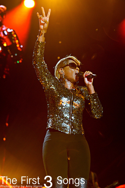 Mary J. Blige performs at the 2012 Essence Music Festival on July 7, 2012 in New Orleans, Louisiana at the Louisiana Superdome.