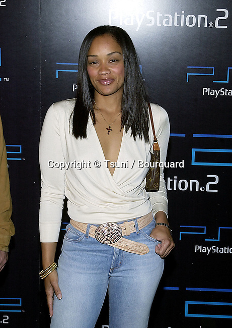Arnelle Simpson arriving at the PlayStation 2 E3 party at the American Legion in Los Angeles  5/15/2001 © Tsuni          -            SimpsonArnelle03A.jpg