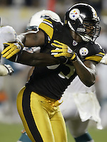 07 September 2006: Pittsburgh Steelers' Joey Porter plays against the Miami Dolphins at Heinz Field in Pittsburgh, Pennsylvania.<br />