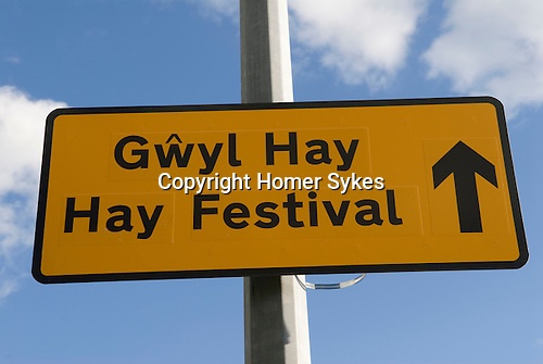 The Hay festival in Welsh and English. The Hay Festival, Hay on Wye, Powys, Wales, Great Britain. 2006.