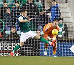 08.08.2019 Hibs v Rangers: Marc McNulty and Allan McGregor