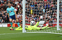 Arsenal's Danny Welbeck scores his side's third goal <br /> <br /> Photographer Rob Newell/CameraSport<br /> <br /> The Premier League - Arsenal v AFC Bournemouth - Saturday 9th September 2017 - The Emirates - London<br /> <br /> World Copyright &copy; 2017 CameraSport. All rights reserved. 43 Linden Ave. Countesthorpe. Leicester. England. LE8 5PG - Tel: +44 (0) 116 277 4147 - admin@camerasport.com - www.camerasport.com