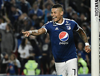 BOGOTA - COLOMBIA, 17-04-2018: Ayron del Valle (Der) jugador de Millonarios de Colombia celebra después de anotar el cuarto gol de su equipo a Deportivo Lara de Venezuela durante partido por la fecha 3, grupo G, de la CONMEBOL Libertadores 2018 jugado en el estadio Nemesio Camacho El Campin de la ciudad de Bogotá. / Ayron del Valle (R) player of Millonarios of Colombia celebrates after scoring the fourth goal of his team to Deportivo Lara of Venezuela during match for the date 3, group G, of the CONMEBOL Libertadores 2018 played at Nemesio Camacho El Campin stadium in Bogota city. Photo: VizzorImage / Gabriel Aponte / Staff.