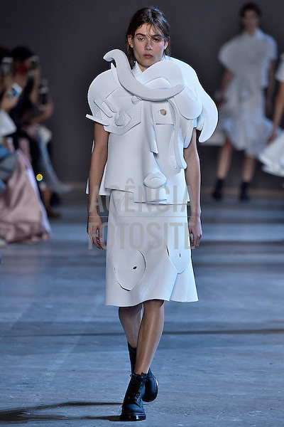 Viktor and Rolf<br /> <br /> Alta Costura - Paris - Ver&atilde;o 2016<br /> <br /> <br /> foto: FOTOSITE