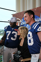 American Idol Ex-Finalistin Kimberly Caldwell mit Justin Snow und Jaimie Thomas<br /> Super Bowl XLIV Media Day, Sun Life Stadium *** Local Caption *** Foto ist honorarpflichtig! zzgl. gesetzl. MwSt. Auf Anfrage in hoeherer Qualitaet/Aufloesung. Belegexemplar an: Marc Schueler, Alte Weinstrasse 1, 61352 Bad Homburg, Tel. +49 (0) 151 11 65 49 88, www.gameday-mediaservices.de. Email: marc.schueler@gameday-mediaservices.de, Bankverbindung: Volksbank Bergstrasse, Kto.: 52137306, BLZ: 50890000