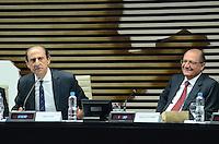 ATENÇÃO EDITOR: FOTO EMBARGADA PARA VEÍCULOS INTERNACIONAIS. SAO PAULO, 25 DE SETEMBRO DE 2012 - ALCKMIN CONGRESSO RADIODIFUSAO - O Governador Geraldo Alckmin (dir) e o presidente da FIESP Paulo Skaf (esq) durante o 17 Congresso de Radiodifusao do Estado de Sao Paulo - 90 anos do radio no Brasil - na Federacao das Industrias de Sao Paulo (FIESP), na manha desta terca feira (25), dia do radio, na Avenida Paulista, regiao central da capital. FOTO: ALEXANDRE MOREIRA - BRAZIL PHOTO PRESS
