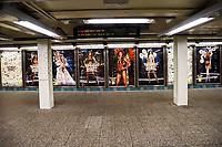 NOVA YORK, EUA, 26.11.2018 - MODA-EUA - Painel com fotos do desfile da Victoria Secret é visto em estação de metro na região da Times Square em Nova York nesta segunda-feira, 26. (Foto: William Volcov/Brazil Photo Press)