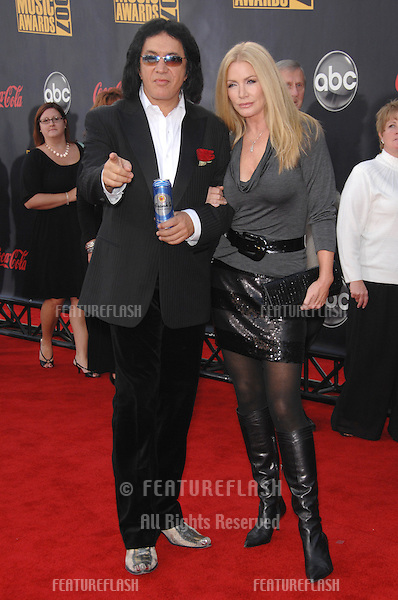Gene Simmons & Shannon Tweed at the 2007 American Music Awards at the Nokia Theatre, Los Angeles..November 19, 2007  Los Angeles, CA.Picture: Paul Smith / Featureflash
