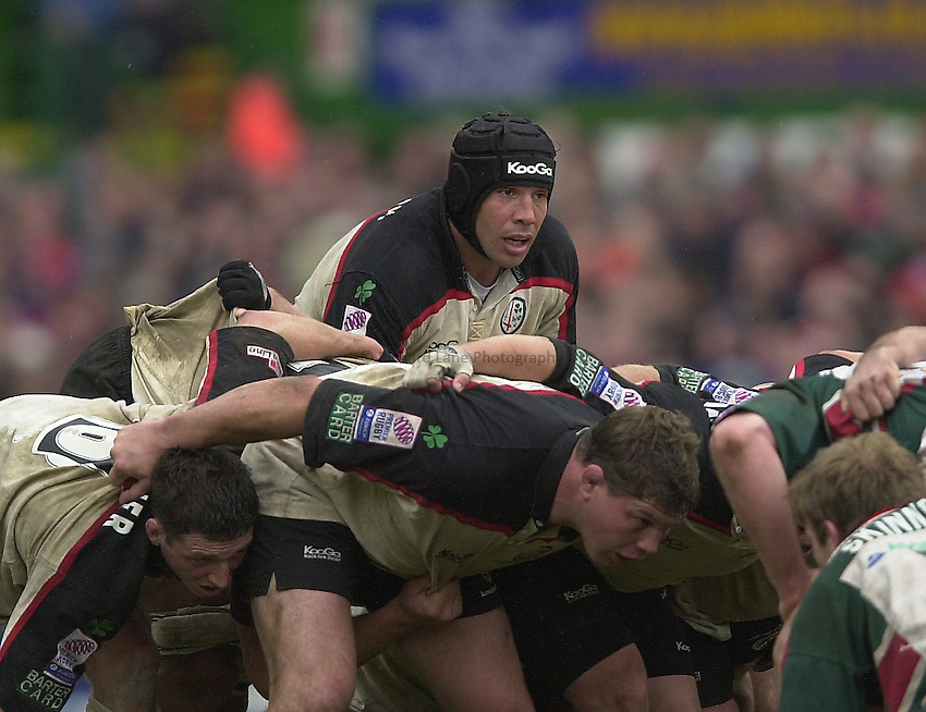 Photo Peter Spurrier.Zurich Premiership Rugby - Leicester Tigers v London Irish. 03/05/2003.Chris Sheasby...