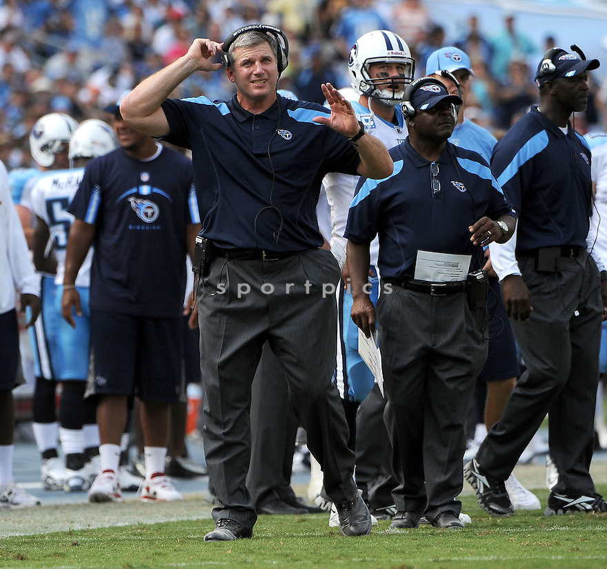 MIKE MUNCHAK, of the Tennessee Titans, in action, during the Titans game against the Baltimore Ravens on September 18, 2011 at LP Field in Nashville, TN. The Titans beat the Ravens 26-13.