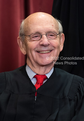 Associate Justice of the Supreme Court Stephen G. Breyer poses during the official Supreme Court group portrait at the Supreme Court on November 30, 2018 in Washington, D.C. <br /> Credit: Kevin Dietsch / Pool via CNP
