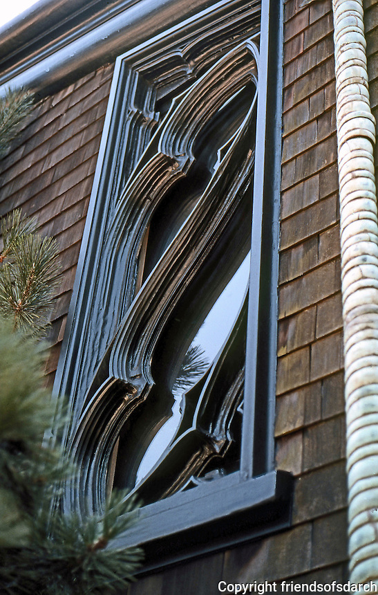 Bernard Maybeck: Goslinsky House, 3200 Block Pacific, San Francisco 1909. Window detail. Photo '76.