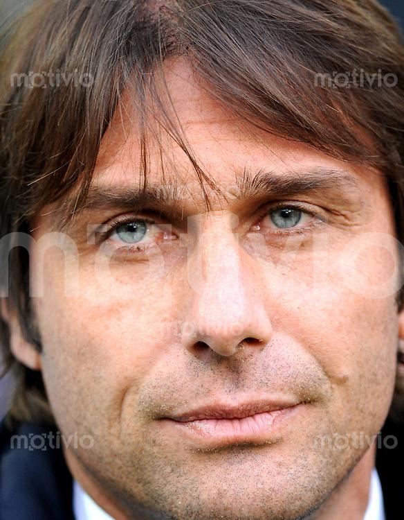 FUSSBALL INTERNATIONAL   SERIE A   SAISON 2011/2012    Juventus Turin - AC Cesena 04.12.2011 Trainer Antonio Conte (Juventus Turin)