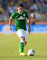 FUSSBALL   1. BUNDESLIGA   SAISON 2013/2014   1. SPIELTAG Eintracht Braunschweig - Werder Bremen             10.08.2013 Zlatko Junuzovic (SV Werder Bremen) am Ball