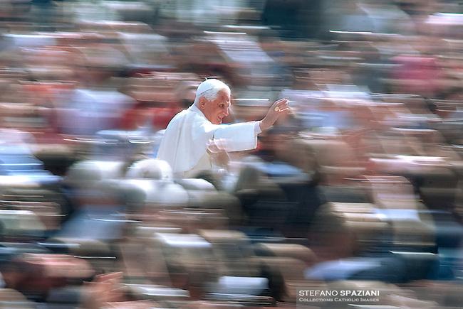 Pope Benedict XVI general audience in Saint Peter's Square;8 april 2009.. December. 25, 2007.. .