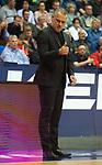 14.04.2018, EWE Arena, Oldenburg, GER, BBL, EWE Baskets Oldenburg vs s.Oliver W&uuml;rzburg, im Bild<br /> gut gemacht Jungs&hellip;.<br /> Dirk Bauermann (s.Oliver W&uuml;rzburg #Headcoach, #Head Coach, #Trainer)<br /> Foto &copy; nordphoto / Rojahn