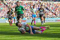 St Helens' Mark Percival scores his side's second try<br /> <br /> Photographer Alex Dodd/CameraSport<br /> <br /> Betfred Super League Round 15 - Magic Weekend - Widnes Vikings v St Helens - Saturday 19th May 2018 - St James' Park - Newcastle<br /> <br /> World Copyright &copy; 2018 CameraSport. All rights reserved. 43 Linden Ave. Countesthorpe. Leicester. England. LE8 5PG - Tel: +44 (0) 116 277 4147 - admin@camerasport.com - www.camerasport.com