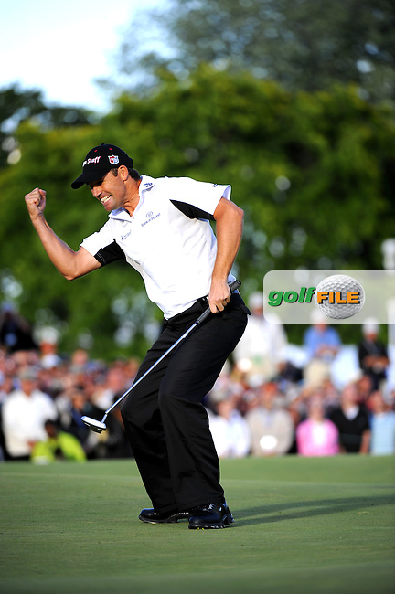 Padraig HARRINGTON (IRE) makes par putt at 18th to win during fourth round US PGA, Oakland Hills, Detroit, Michigan, USA, 10th August 2008.