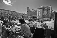 Lecce - Cortili Aperti 2010 - Vista sul Sedile in piazza Sant'Oronzo dai tavoli dello storico bar Alvino.