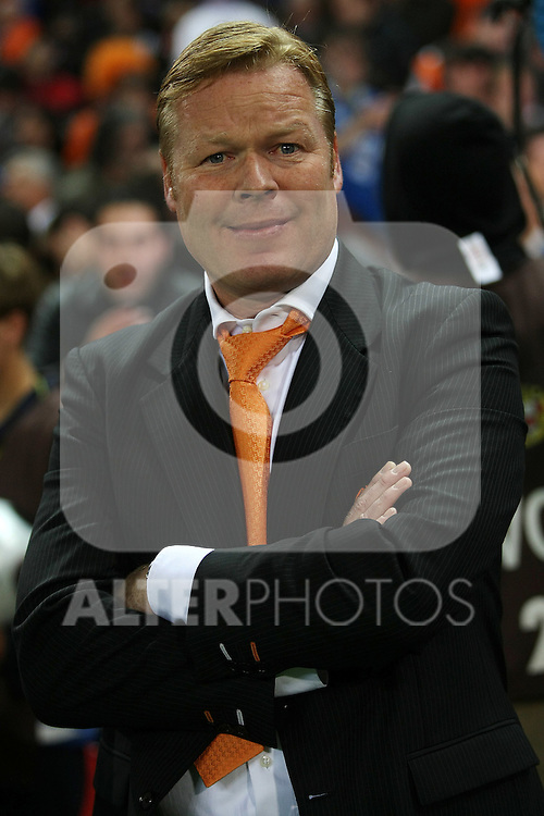 Valencia's coach Ronald Koeman before the Spanish King's Cup Final match. April 16 2008. .(ALTERPHOTOS/Acero).