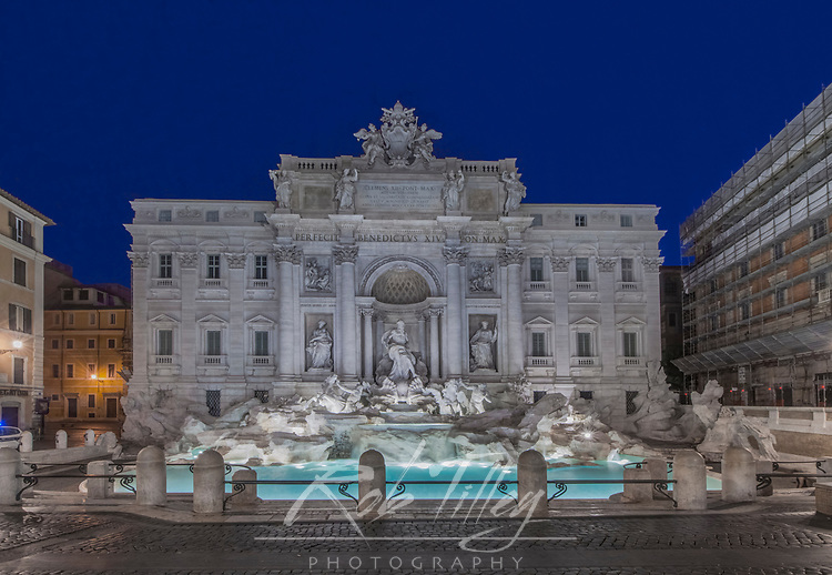 Europe, Italy, Rome, Trevi Fountain at Dawn