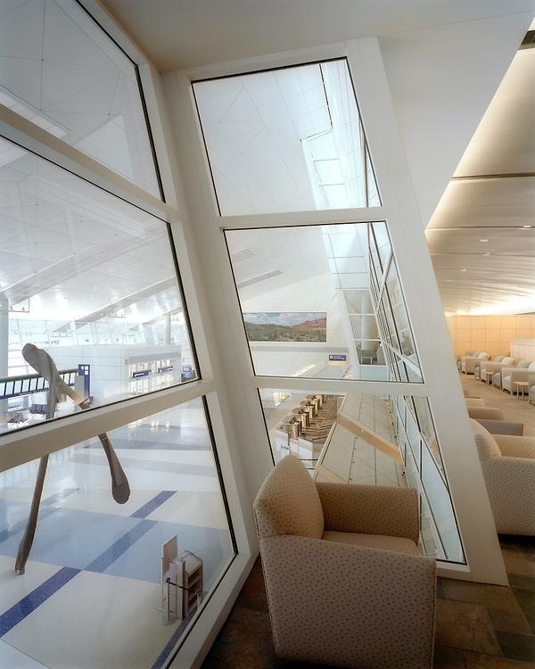 Dallas/Fort Worth International Airport | Architect: HNTB