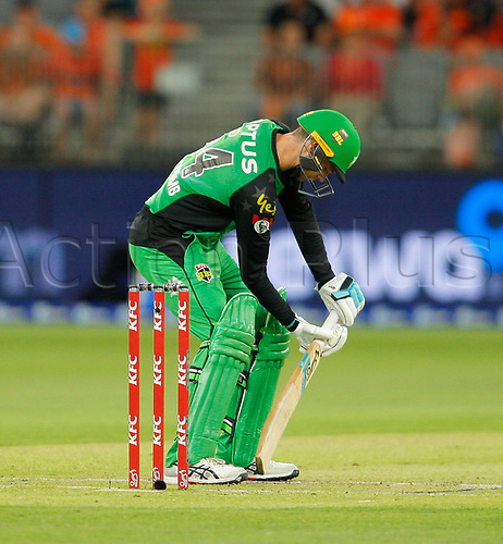 3rd February 2019, Optus Stadium, Perth, Australia; Australian Big Bash Cricket League, Perth Scorchers versus Melbourne Stars; Peter Handscomb of the Melbourne Stars demonstrates his unusual batting style during his innings