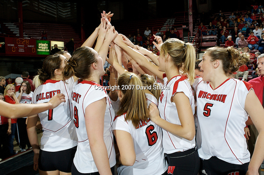 MADISON, WI - NOVEMBER 17: The Wisconsin Badgers volleyball team against the Iowa Hawkeyes on November 17, 2006 in Madison, Wisconsin. (Photo by David Stluka)