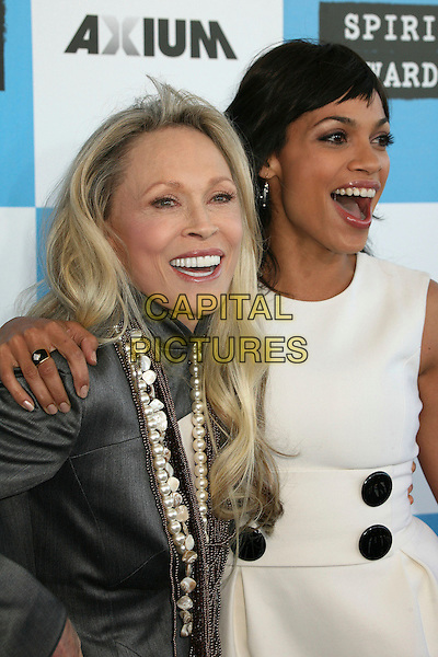 FAYE DUNAWAY & ROSARIO DAWSON.2007 Film Independent's Spirit Awards at the Santa Monica Pier, Santa Monica, California, USA,.24 February 2007..half length.CAP/ADM/BP.©Byron Purvis/AdMedia/Capital Pictures.