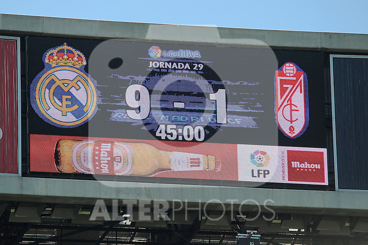 Real Madrid´s 9 goals and Granada´s 1 goal after 2014-15 La Liga match between Real Madrid and Granada at Santiago Bernabeu stadium in Madrid, Spain. April 05, 2015. (ALTERPHOTOS/Luis Fernandez)