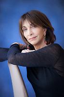 Anna Bonaiuto è un'attrice teatrale e attrice cinematografica italiana. Ha vinto il David di Donatello per la migliore attrice protagonista per il film L'amore molesto. Torino Salone del Libro 2017. © Leonardo Cendamo