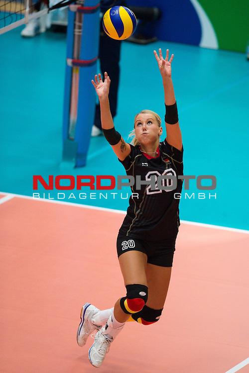 11.07.2014, Anhalt Arena, Dessau<br /> Volleyball, European League 2014, Deutschland vs. Griechenland<br /> <br /> Zuspiel Mareen Apitz (#20 GER)<br /> <br />   Foto &copy; nordphoto / Kurth