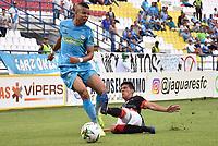 MONTERÍA - COLOMBIA, 23-02-2019: Edis Ibargüen de Jaguares F. C., disputa el balón con Edison Duarte de Cúcuta Deportivo, durante partido entre Jaguares F. C. y Cúcuta Deportivo de la fecha 6 por la Liga Águila I 2019, en el estadio Jaraguay de Montería de la ciudad de Montería. / Edis Ibargüen of Jaguares F. C., fights for the ball with Edison Duarte of Patriotas Boyaca,  during a match between Jaguares F. C. and Cucuta Deportivo, of the 6th date for the Leguaje Aguila I 2019 at Jaraguay de Montería Stadium in Monteria city. Photo: VizzorImage / Andrés López  / Cont.