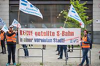 Mitglieder der Eisenbahnergewerkschaft EVG protestierten am Dienstag den 19. Mai 2020 vor der Senatssitzung gegen den Plan, den Neuerwerb und die Betreibung von 1.300 neuen S-Wagen in einer Ausschreibung an private Firmen zu vergeben. Damit wuerden weite Teile des Berliner S-Bahnbetriebs nicht mehr von der S-Bahn Berlin GmbH, einer Tochter der bundeseigenen Deutschen Bahn, betrieben werden.<br /> 19.5.2020, Berlin<br /> Copyright: Christian-Ditsch.de<br /> [NUR FUER REDAKTIONELLE ZWECKE! Werbung nur auf Anfrage beim Fotografen. Inhaltsveraendernde Manipulation des Fotos nur nach ausdruecklicher Genehmigung des Fotografen. Vereinbarungen ueber Abtretung von Persoenlichkeitsrechten/Model Release der abgebildeten Person/Personen liegen nicht vor. NO MODEL RELEASE! Don't publish without copyright Christian-Ditsch.de, Veroeffentlichung nur mit Fotografennennung, sowie gegen Honorar, MwSt. und Beleg. Konto: I N G - D i B a, IBAN DE58500105175400192269, BIC INGDDEFFXXX, Kontakt: post@christian-ditsch.de<br /> Bei der Bearbeitung der Dateiinformationen darf die Urheberkennzeichnung in den EXIF- und  IPTC-Daten nicht entfernt werden, diese sind in digitalen Medien nach §95c UrhG rechtlich geschuetzt. Der Urhebervermerk wird gemaess §13 UrhG verlangt.]