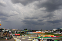 SAO PAULO, SP, 22.11.2013 - F1 - GP BRASIL - TREINOS LIVRE - <br /> Nuvens carregadas sao vista sobre o Autódromo de Interlagos, na zona sul de São Paulo, nesta sexta-feira (22).  (FOTO: LUCAS GORYS / BRAZIL PHOTO PRESS).